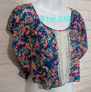 Cropped floral and crochet top xs 3for10